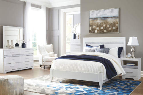 Jallory White 4 Pc. Dresser, Mirror & Queen Panel Bed