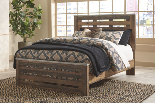 Chadbrook Brown Queen Panel Bed