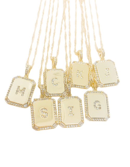WBS LUXE INITIAL PLATE NECKLACE