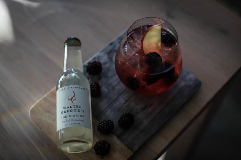 Apple & Cinnamon - Arbikies Vodka with Fresh Brambles and Fresh Apple