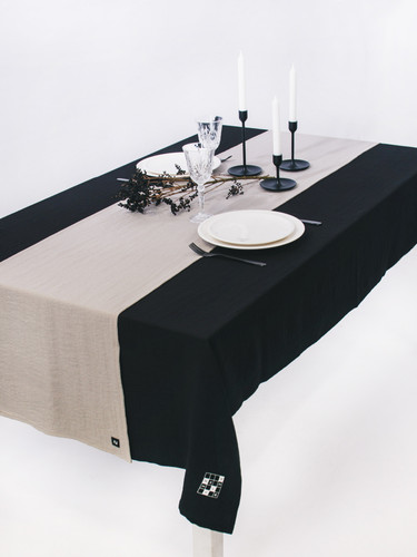 Black Tablecloth With Natural Grey Runner 139 x225 cm  | Twins Garden