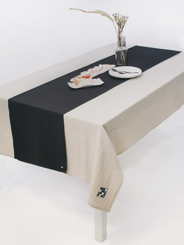 Natural Grey Tablecloth With Black Runner 139 x225 cm| Twins Garden