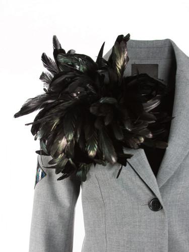 Dark Green Flower Brooch With Feathers | Vilma