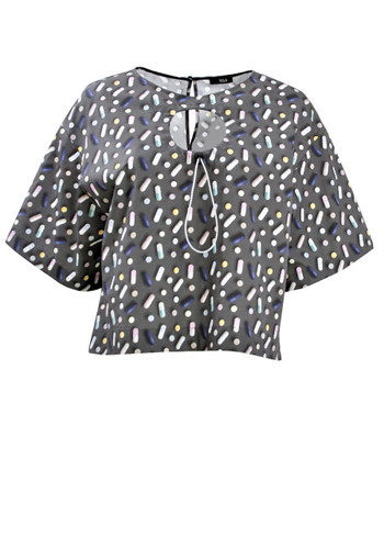Gray Short Top With Pills Print And Chest Detail | Vesma