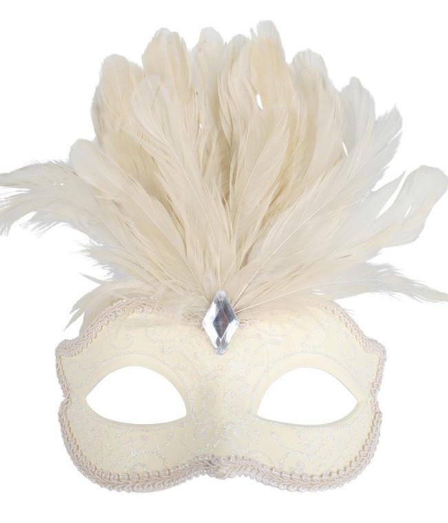 Daniella Cream Eye Mask with Feathers