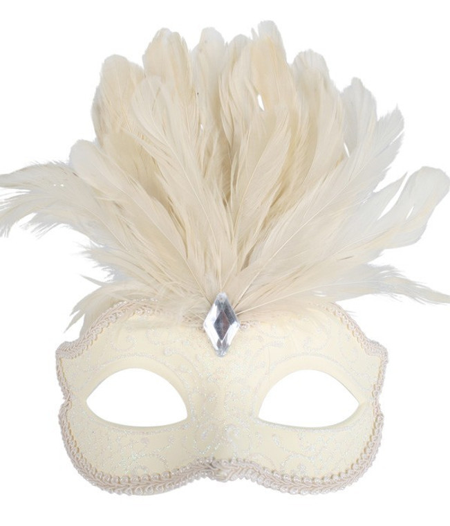 Daniella Cream Eye Mask with Feathers