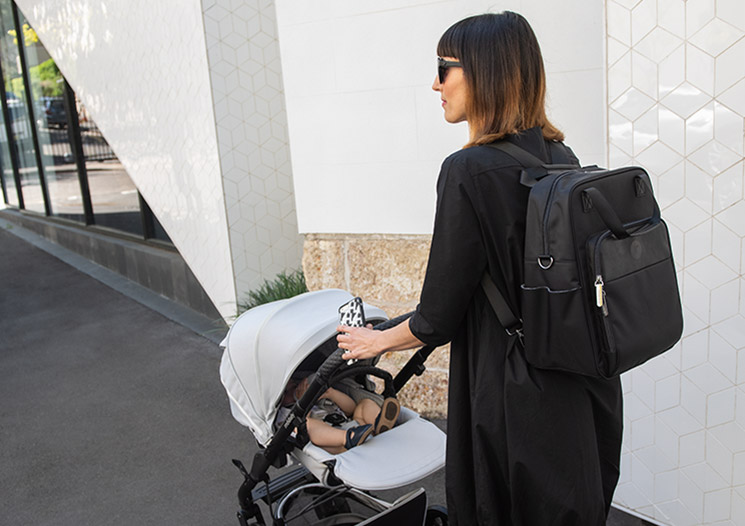 What to pack in your Nappy Bag checklist