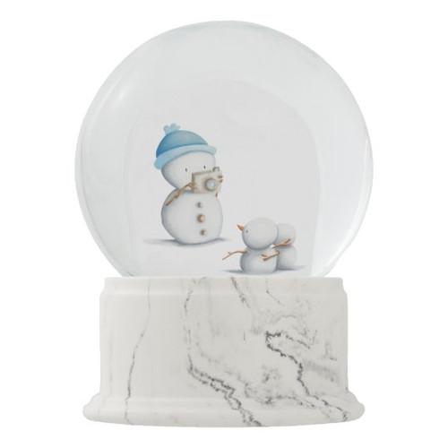 Snowman Taking Picture to his Children Winter Snow Globe