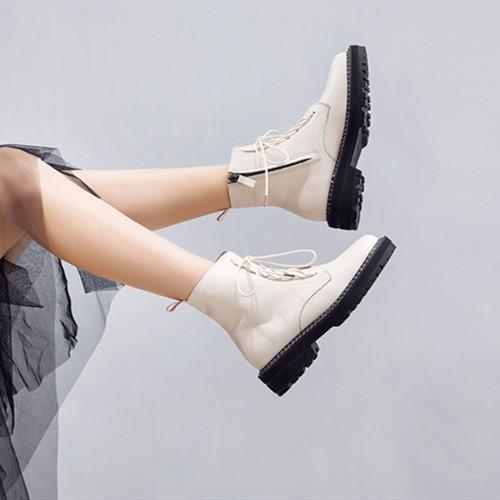 classsic Women quality  winter boots....