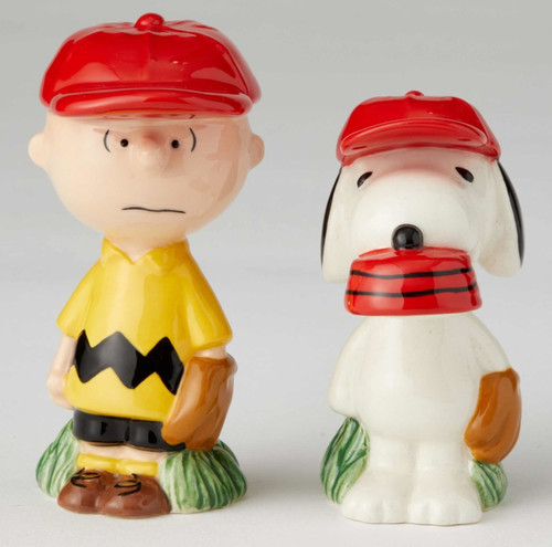 Charlie Brown and Snoopy Baseball Players Salt and Pepper Shakers Licensed