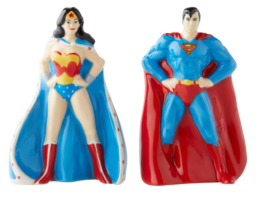 Superman and Wonder Woman Salt and Pepper Shakers Set Licensed