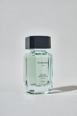 Exuberant for Men: The composition begins with scintillating and zesty notes of Mandarin, Lemon, and Bergamot. The middle notes are more floral with Geranium and Lavender magnified by Patchouli and Vetiver. Base notes transport us to woody waves of moss and amber