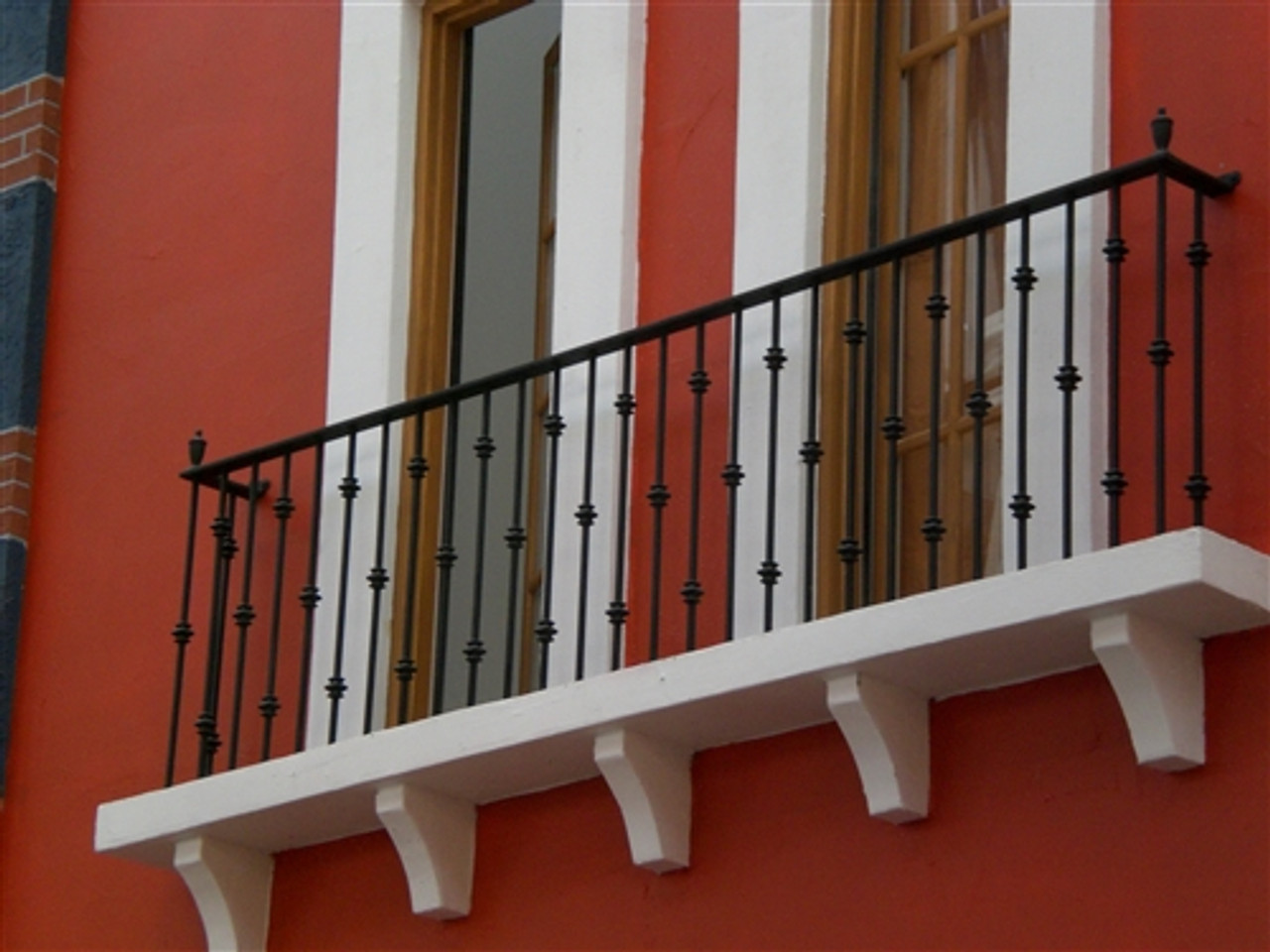 IRON KNUCKLE BALCONY