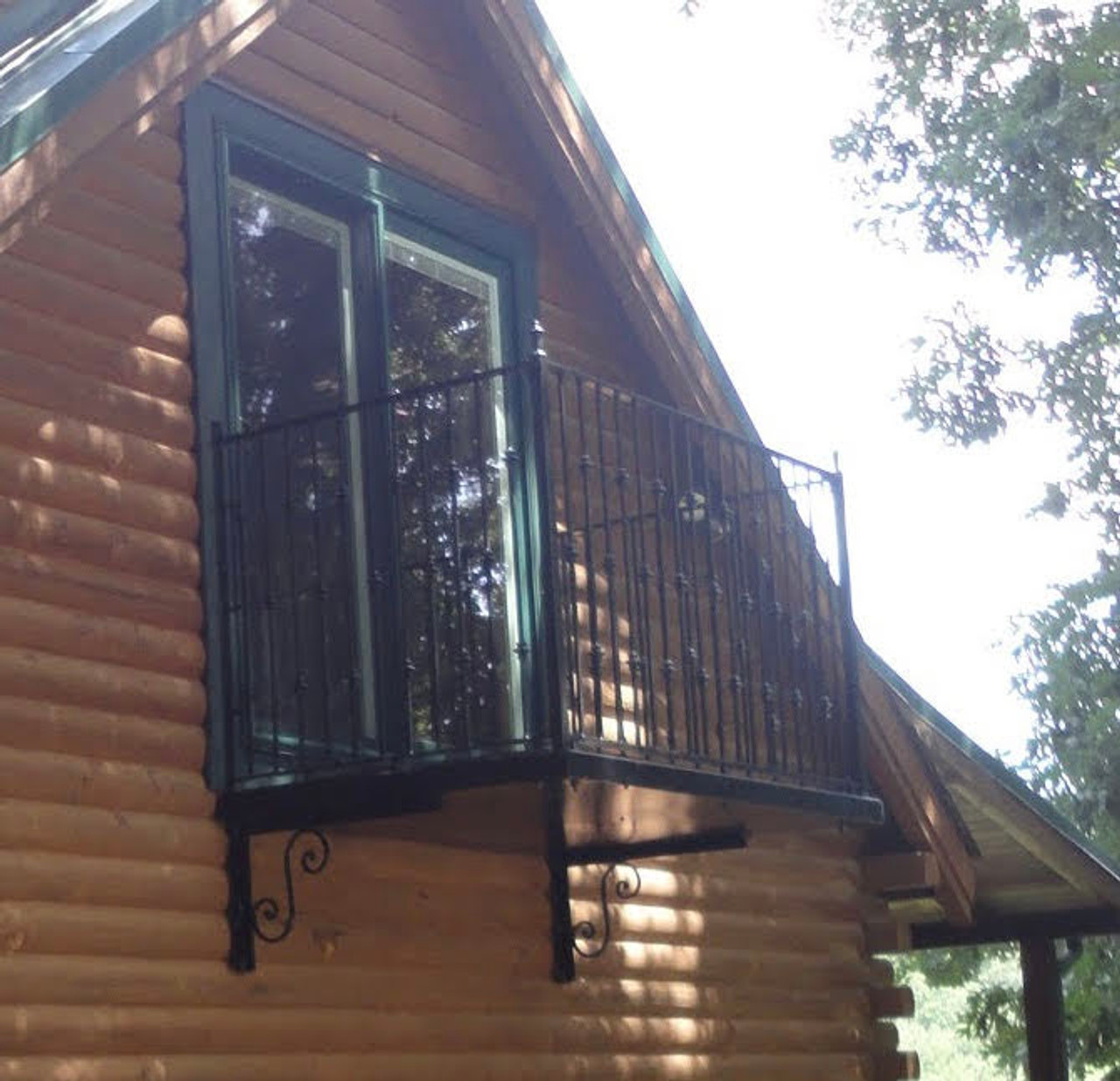 Country cabin with the Iron knuckle balcony 70x36
