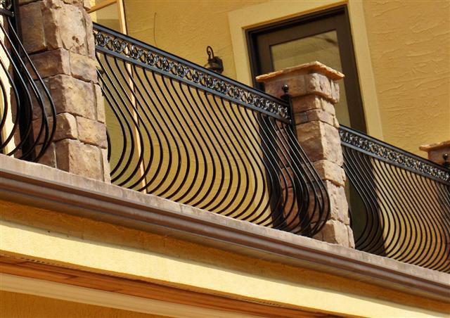 railing-pot-belly-with-pontalva-scroll-band.jpg