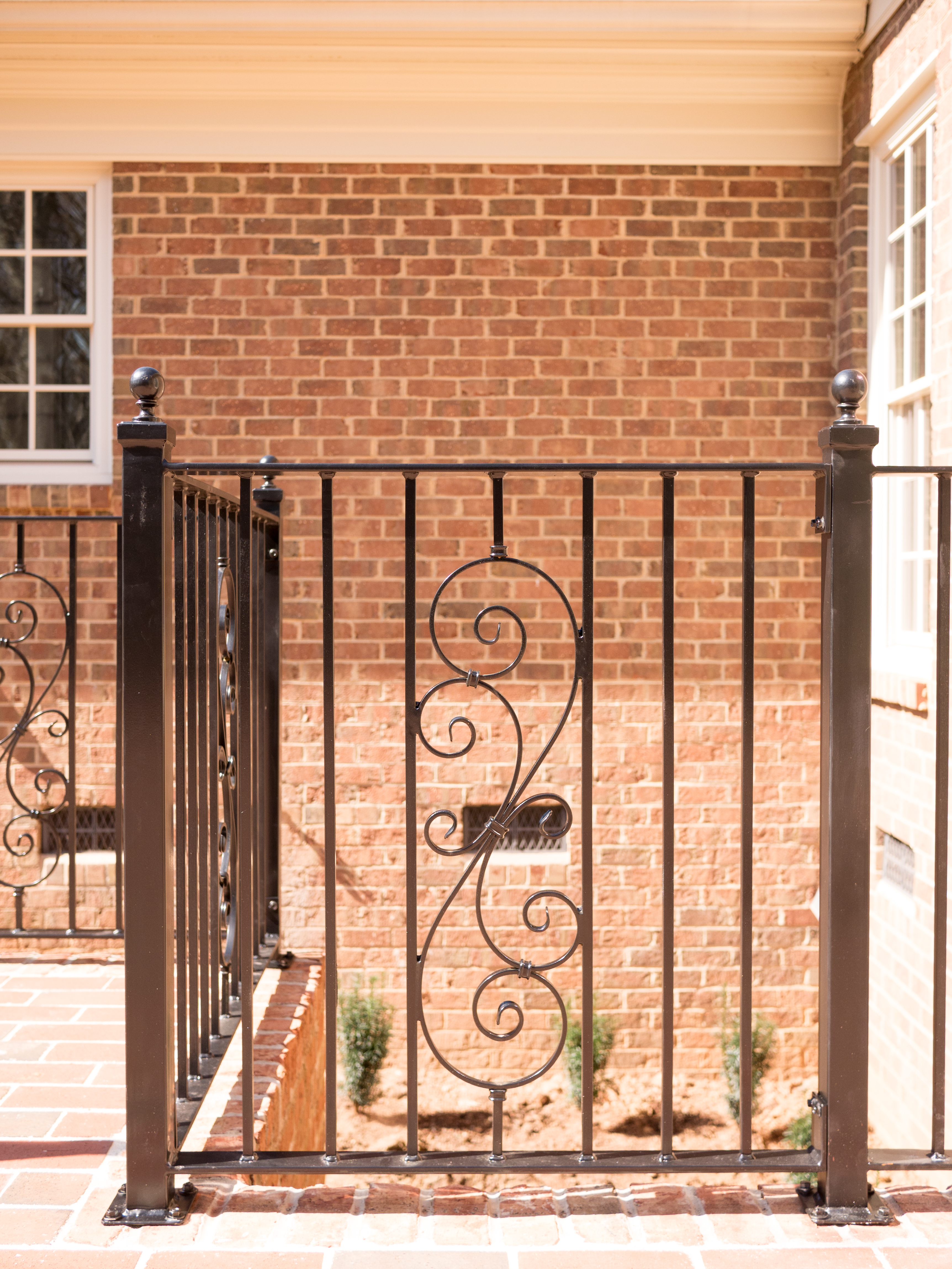 railings-plain-picket-with-scroll.8.jpg