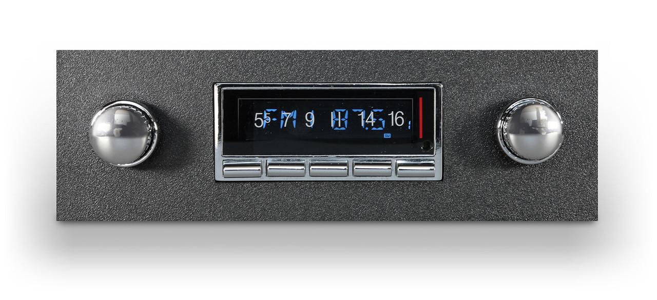 Custom Autosound USA-740 IN DASH AM/FM for Grand Prix