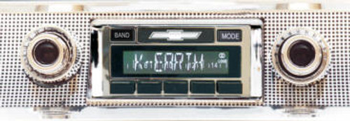 Custom AutoSound 1973-77 Monte Carlo USA-630 In Dash AM/FM