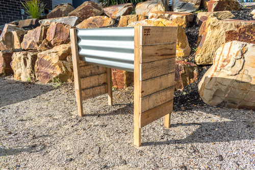 RAISED SMALL Planter Box