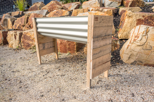 RAISED MEDIUM Planter Box