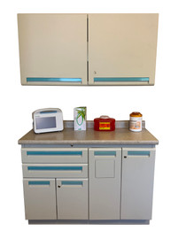 Modular Casework System Traditional (with sink)