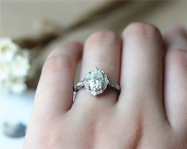 Vintage Design 6x8mm Oval Brilliant Moissanite Engagement Ring Solid 14K White Gold Ring
