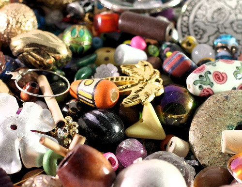 1 Pound Multi Shapes & Colors Bead & Findings Treasure Mix C