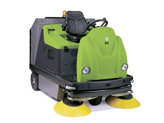IPC Eagle 1404 Dual Battery and Gas Rider Floor Sweeper