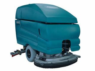 Tennant 5680 32D Floor Scrubber