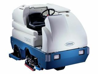 Tennant 7300 40D Rider Floor Scrubber