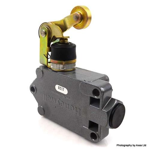 Enclosed Limit Switch DTF3-2RN2-RHC Honeywell DTF32RN2RHC *New*