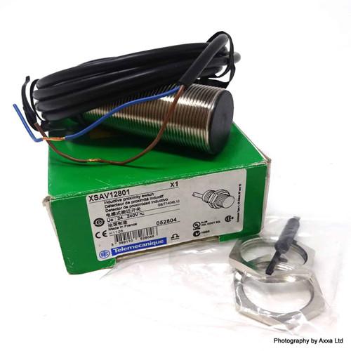 Inductive Proximity Switch 052804 Telemecanique XSAV12801