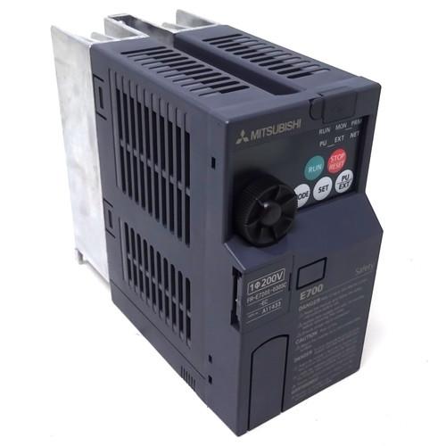 1ph Inverter Drive FR-E720S-030SC-EC 200-240VAC 50/60Hz 9.8A, Out: 3.0A 3PH AC200-240Vmax 0.2-400Hz FRE720S030SCEC