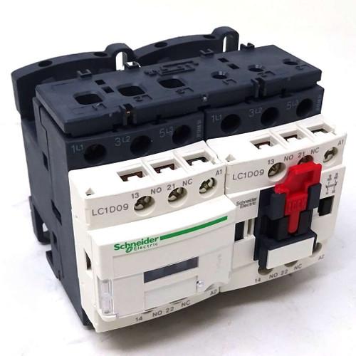 3P Reversing Contactor LC2D09F7 Schneider 110VAC 4kW 1NO 1NC 038338