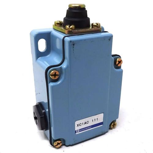 Limit Switch XC1AC11 Telemecanique Roller Lever SPT *New*