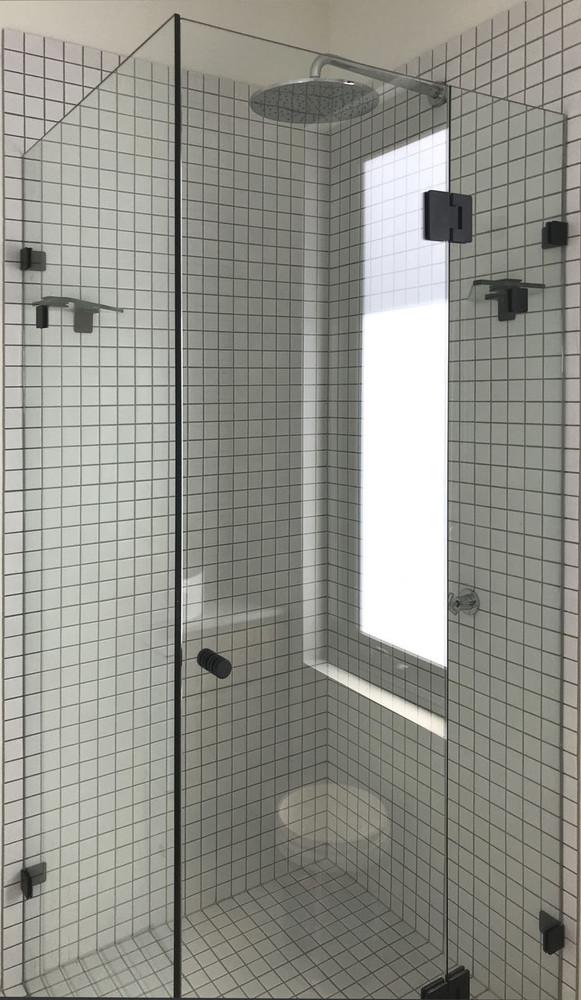 Normandy Frameless Shower Screen Retangular L Shape