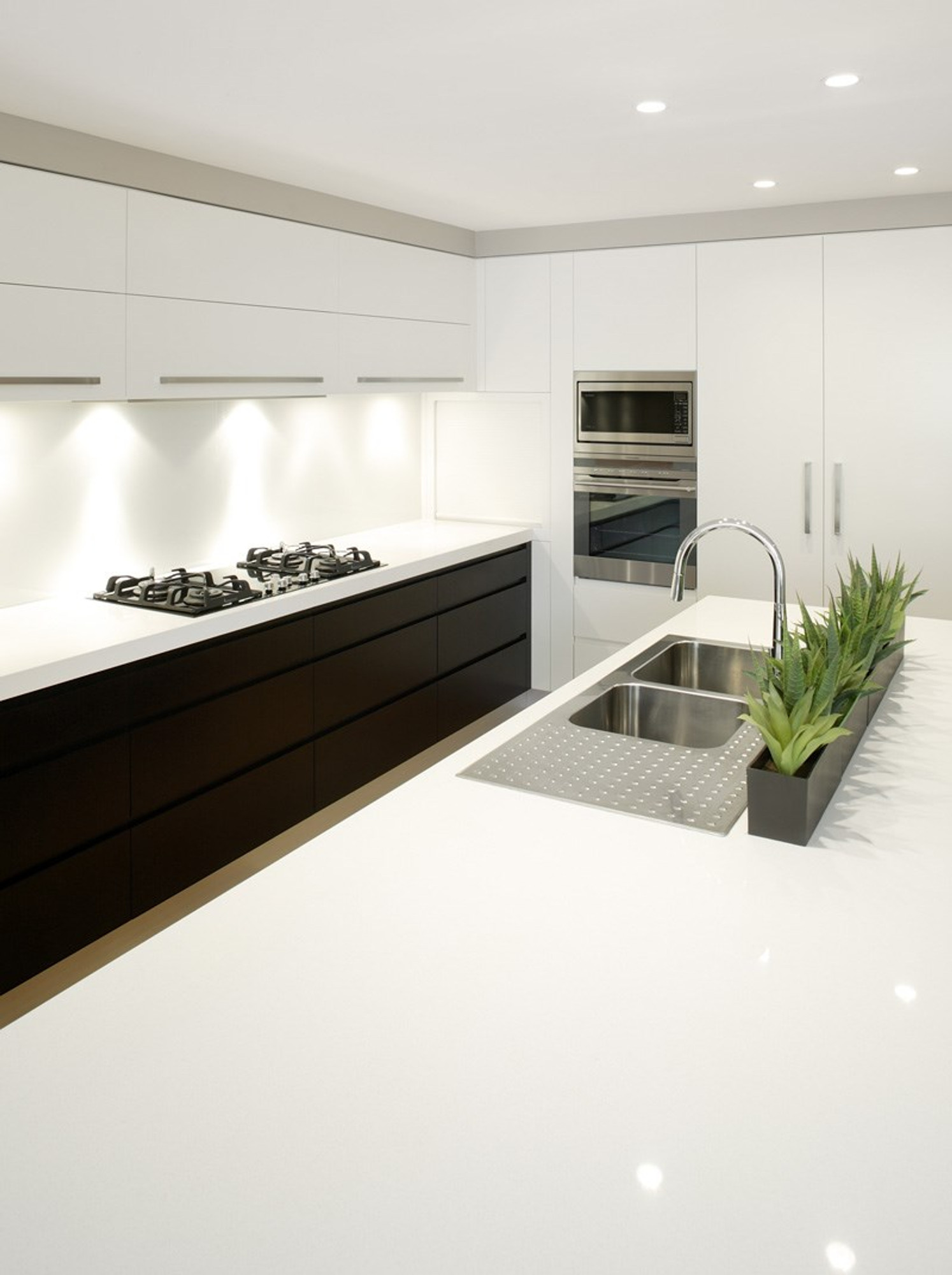 Quantum Quartz Bench Top Slab Luna White Renovation D