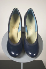 6B 1950s ladies shoes navy leather babydoll pumps heels deadstock