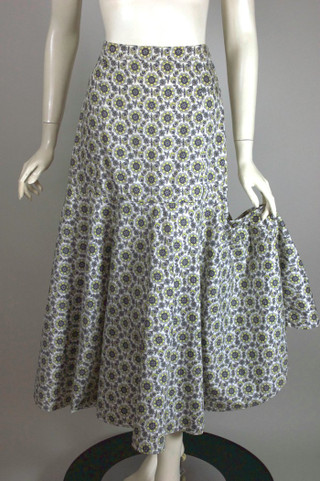 Early 1950s skirt cotton print floral white grey green XS-S 25-26