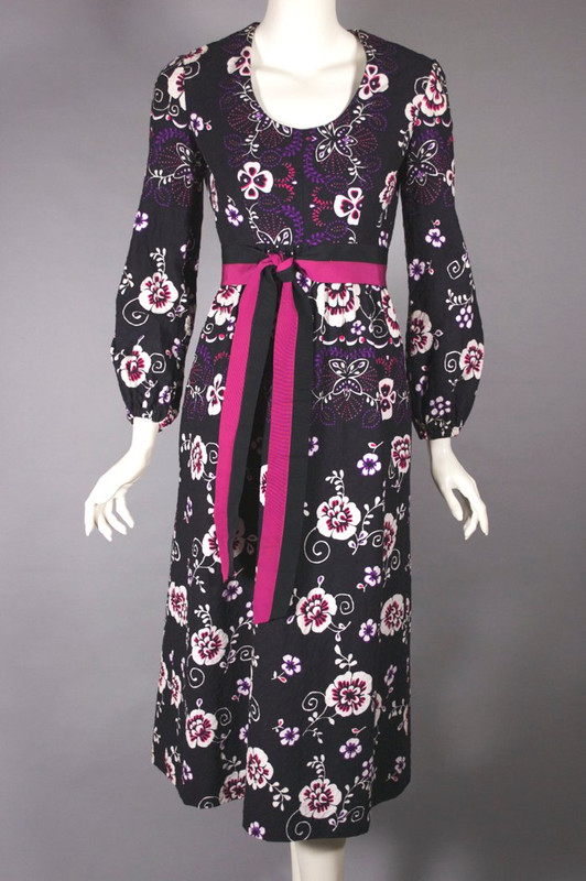 Midi length black floral print cotton dress late 1960s puff sleeve XS-S