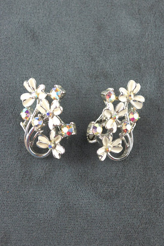 Ivory enameled silver shamrock ab rhinestone earrings Coro 1960s