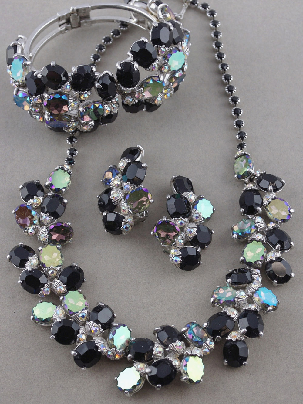 Schiaparelli vintage parure 1950s necklace bracelet and earrings black rhinestones