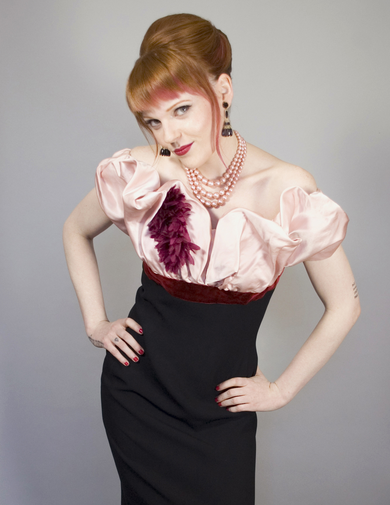 1950s bombshell dress har and makeup by Antje Kastner Studio