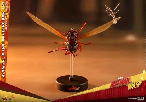 Ant-Man and the Wasp - Ant-Man on Flying Ant & the Wasp Set-HOTMMSC004
