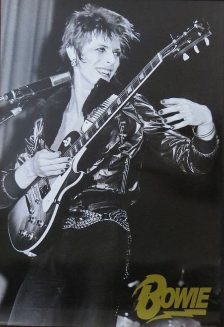 DAVID BOWIE-Guitar-Poster-Laminated available-91cm x 61cm-Brand New
