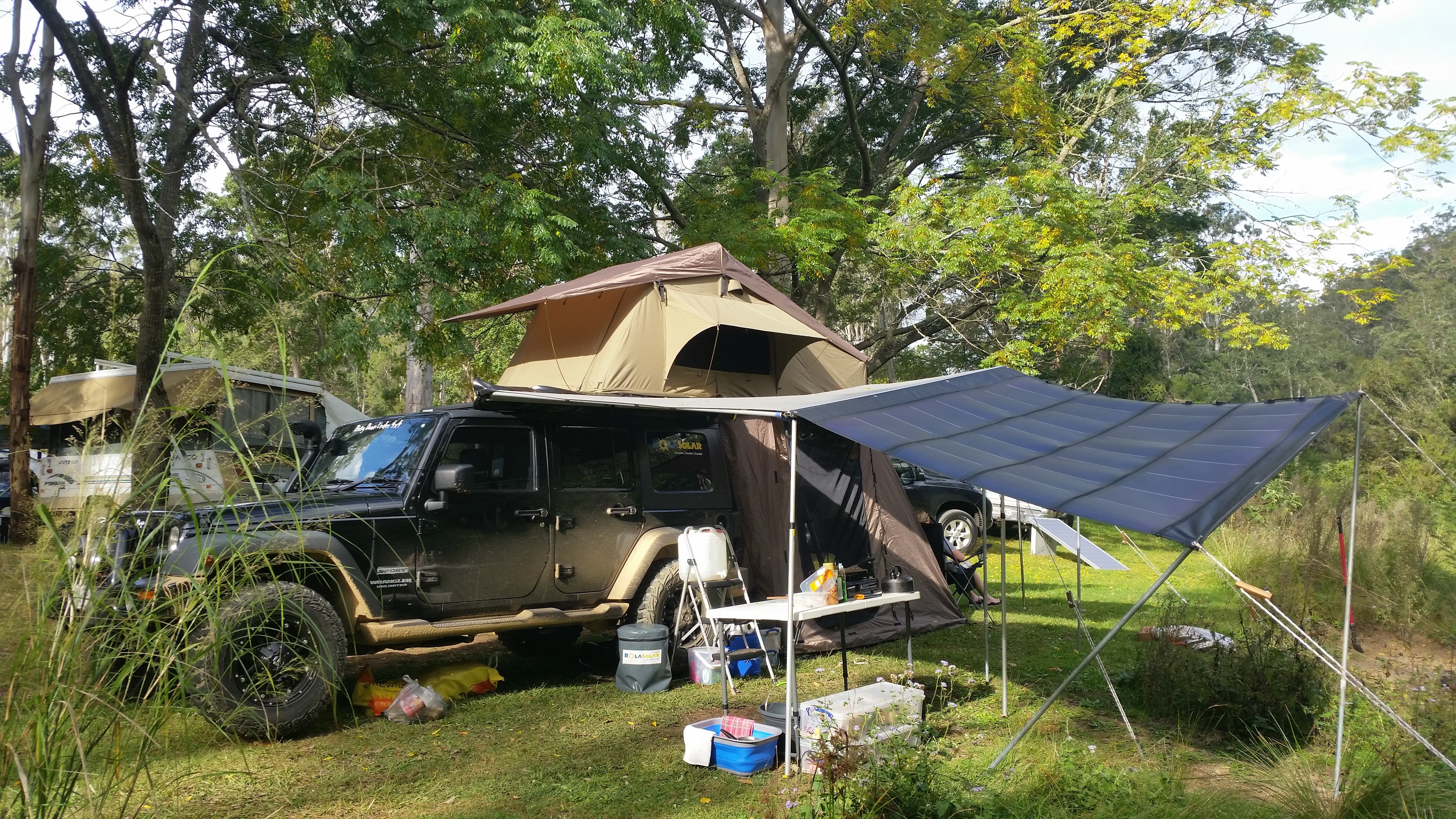Rolasolar 200 Watt Awning