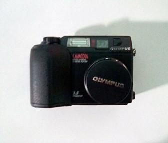 Olympus (Vintage) C-3030 Zoom Digital Camera