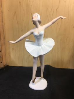 NEW VINTAGE WALLENDORF BALLERINA DANCING BALLERINA MODEL 1755-2 FIGURINE GERMANY