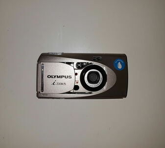 Olympus iZoom75 Ultra Compact Camera (BRAND NEW!)