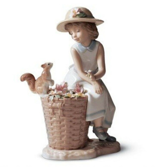 Lladro 01006825 Hello Little Squirrel! Porcelain Figurine | Made in Spain (New!)